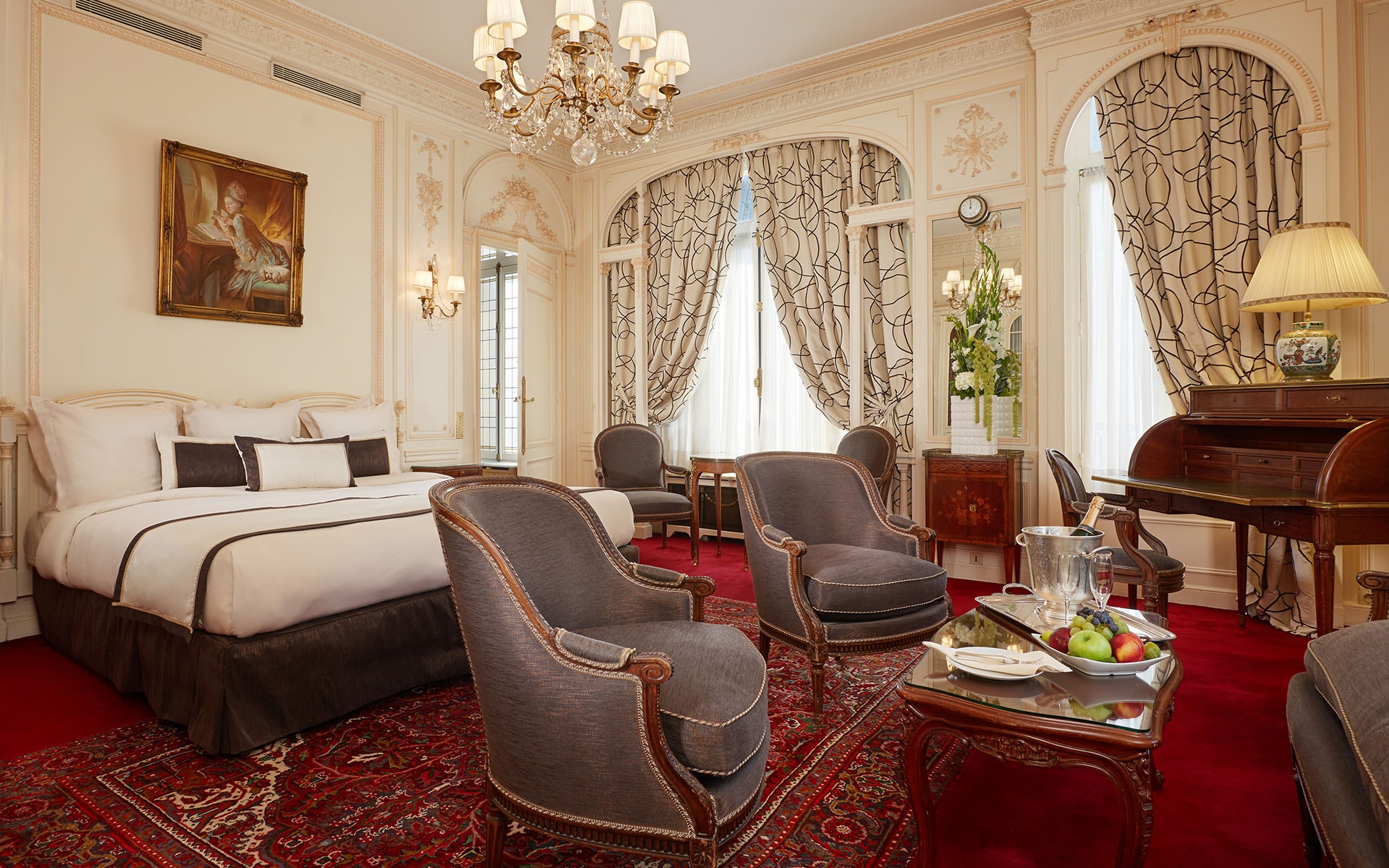 boutique hotels in paris near champs elysees