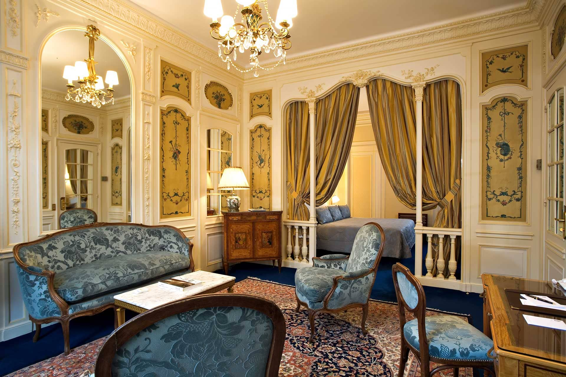 266/5-Suites/Junior suite/Suite Junior 3 - CHotel Raphael Paris.jpg