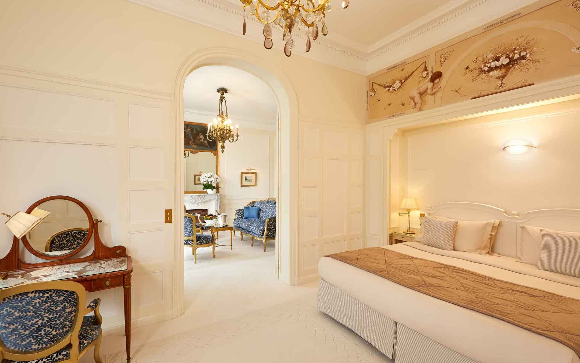 Hotel Raphael Paris Arc de triomphe terrace suite
